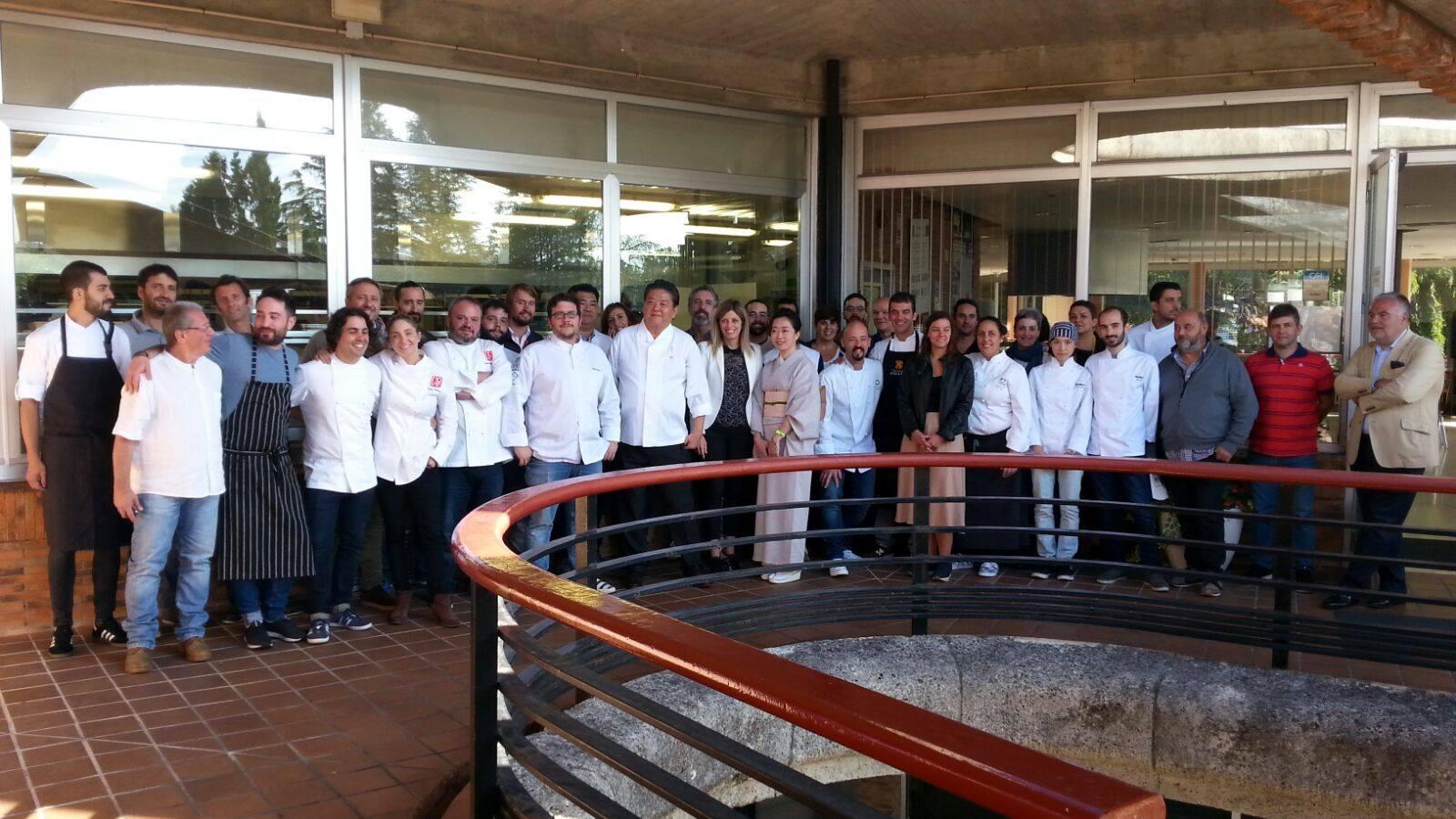 Jornada en el Centro Superior de Hostelería de Galicia con el prestigioso chef nipón Hirohisa Koyama